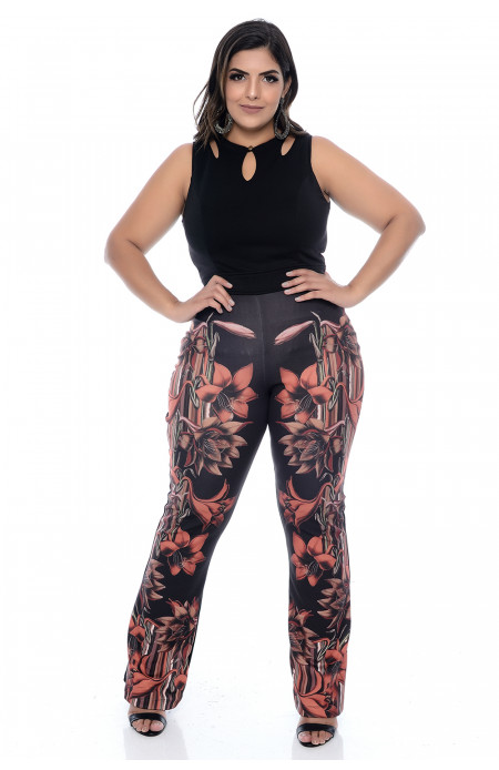 Macacão Plus Size Preto Flower Power
